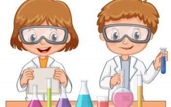 dos-estudiantes-hacen-experimento-cientifico_1308-3278